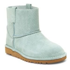 Brand new authentic unlined UGG boots